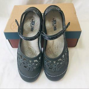 Jambu Shoes Size 9